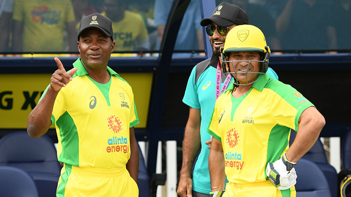 Sachin and Lara in the Road Safety Cup