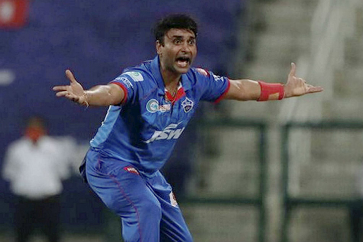 Amit Mishra helped Delhi get their first victory over Mumbai in 6 attempts