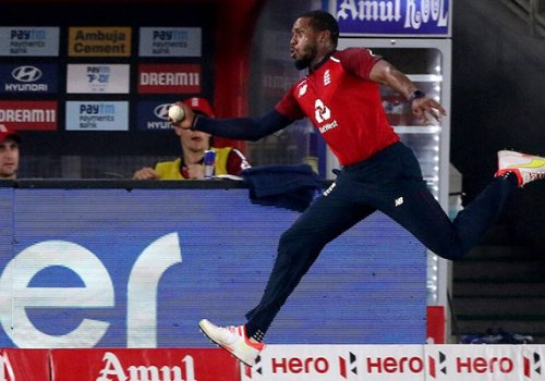 Another spectacular catch by Chris Jordan